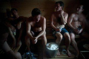 drinking-beer-in-sauna