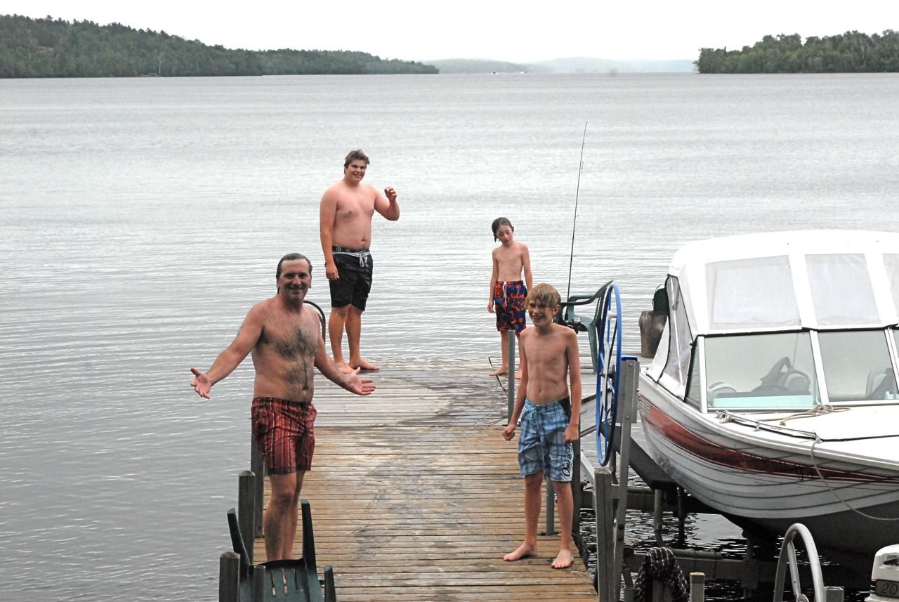rainy-day-sauna-at-the-lake