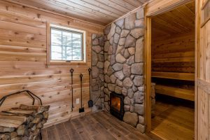 "Looking for a winter sauna getaway?  Here are five Upper Midwest US resorts that offer a ""bold north"" authentic sauna escape"
