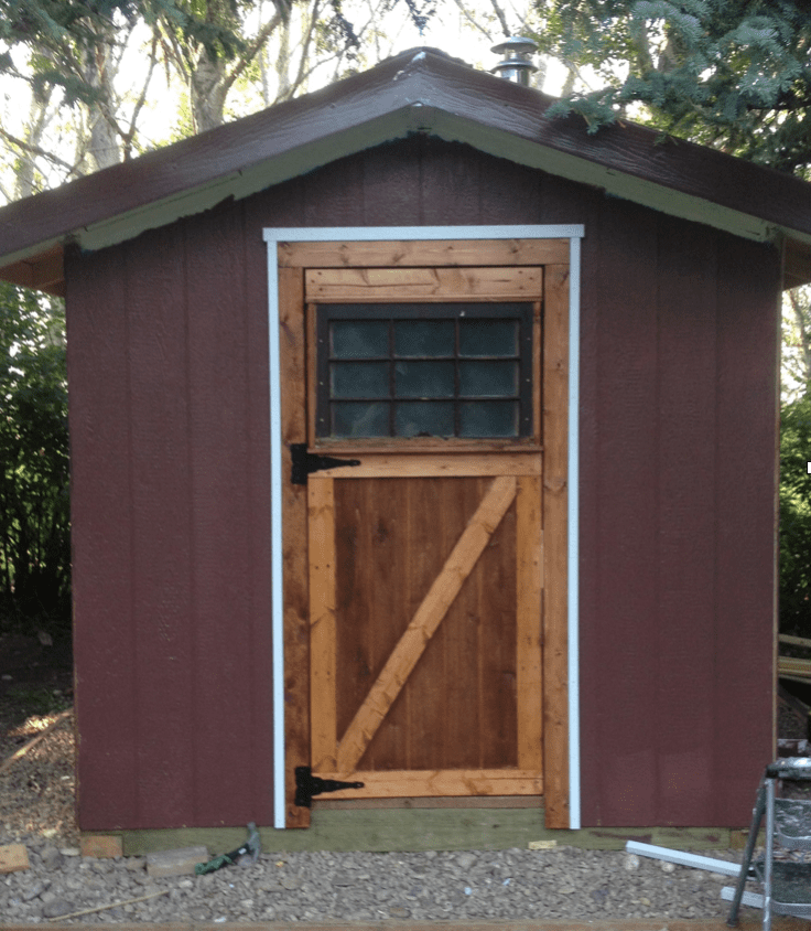 A montana sauna with a simple floor and extensive diy for Build your own sauna outdoor