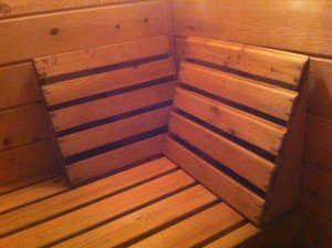 A sauna backrest that you can cut and nail together in less than an hour