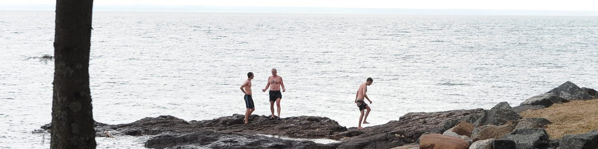 lake superior cold plunge between sauna rounds
