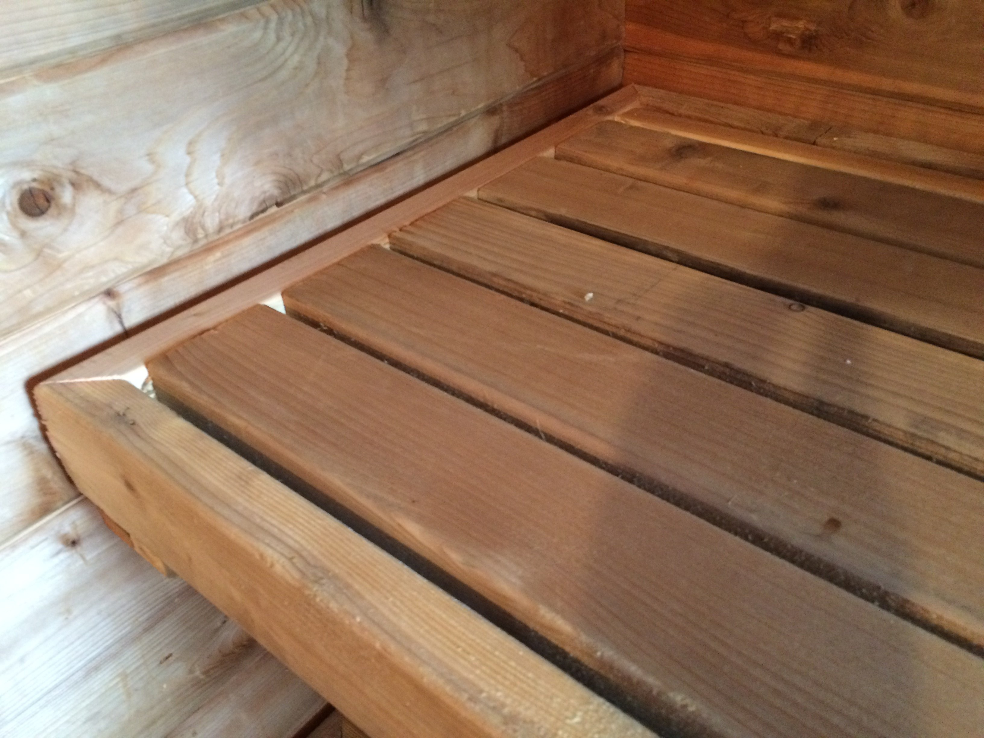 2x4 cedar makes for ideal sauna benches